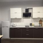 Компактная кухня в ЖК Демеевский, вариант оформления рабочего пространства